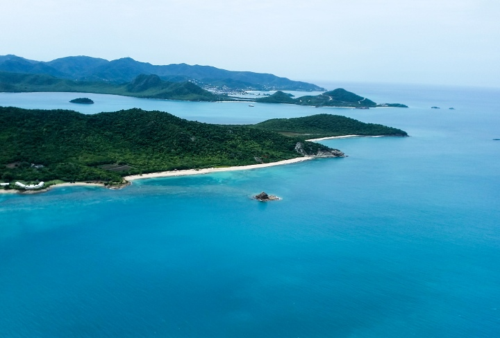 Antigua & Barbuda Travel Guide: Where to Stay, What to Eat & What toDo